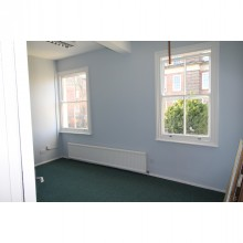 *LET SUBJECT TO CONTRACT* REFURBISHED OFFICES 30 Sansome Walk, Worcester, WR1 1NA - Image 2