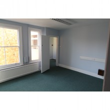 *LET SUBJECT TO CONTRACT* REFURBISHED OFFICES 30 Sansome Walk, Worcester, WR1 1NA - Image 3
