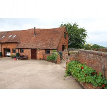 *LET Subject to Contract* Hurst Farm Barn